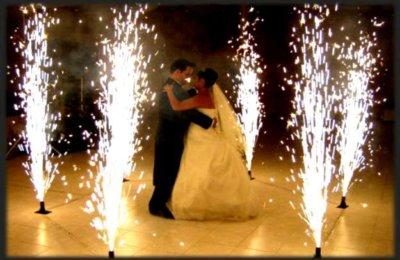 Fiestas con Glamour - Servicios -  Iluminación para fiestas y eventos en Madrid - Pirotecnia Fria para fiestas y eventos en madrid  4