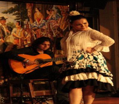 Fiestas con Glamour - Actividades Empresas Particulares para fiestas y eventos en Madrid - Team building Madrid - Sensaciones Taurinas y capeas - Toreo de Salon Flamenco 1
